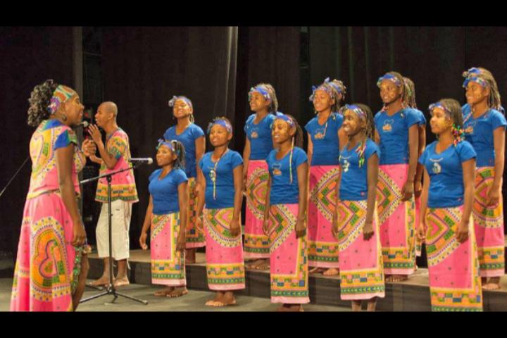 Le Malagasy Gospel  présente «Il était une fois mille voix» en Espagne.