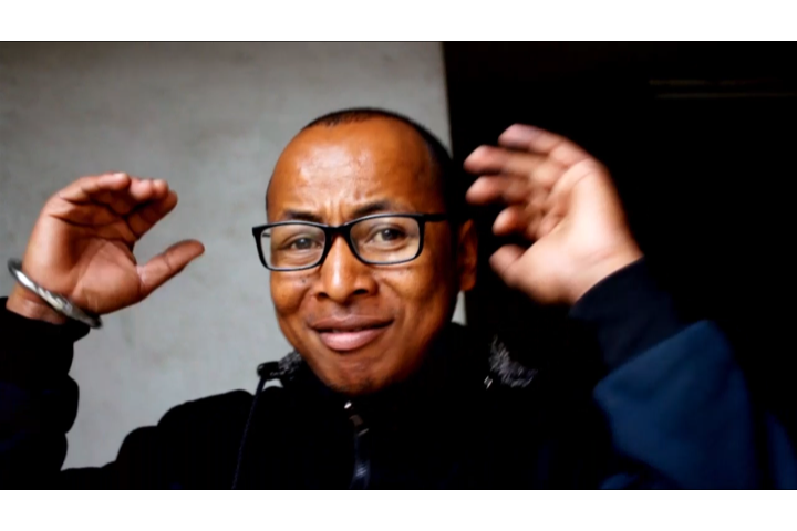 Andry Bahrone, l'Humoriste maître de la mise en scène malgache.