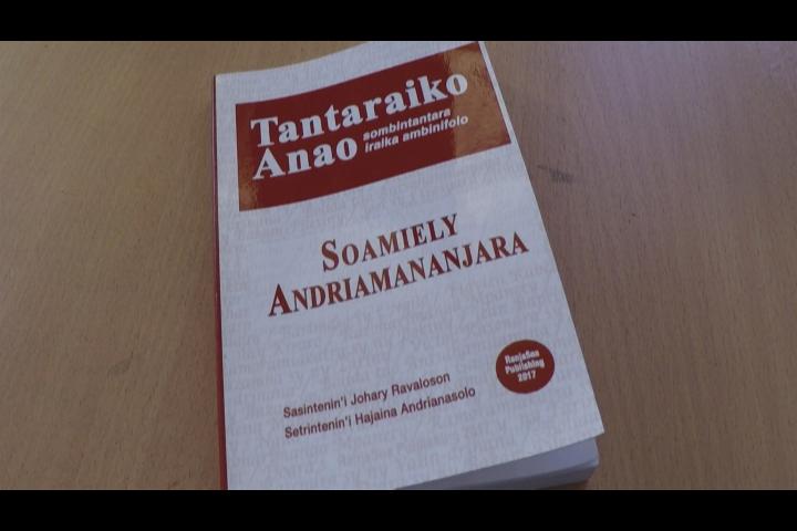 Tantaraiko Anao : le recueil de 11 nouvelles de Soamiely.