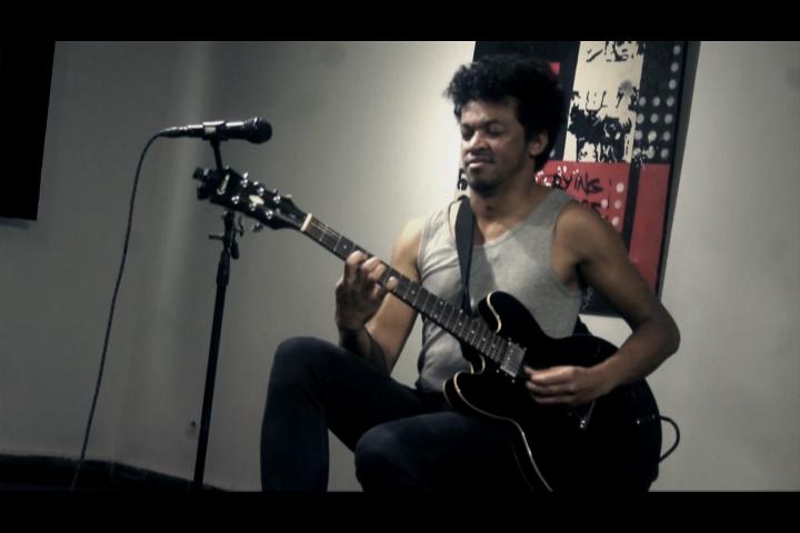 Joël Rabesolo : «La musique malgache est ma matière première»